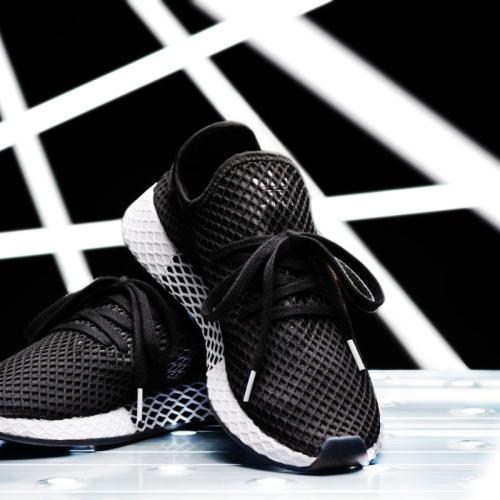 アディダスは、KICKS LAB.とのコラボレーションモデル adidas Originals DEERUPT RUNNER KICKS LAB. を発売
