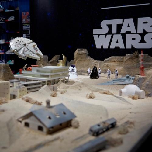 アディダスは、3Dプリンターでmi STAR WARSご購入者のフィギュアを作成するキャンペーンをスタート