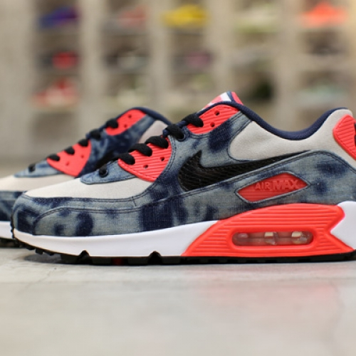 NIKE AIR MAX 90 Bleach Denim CollectionのWeb販売をスタート