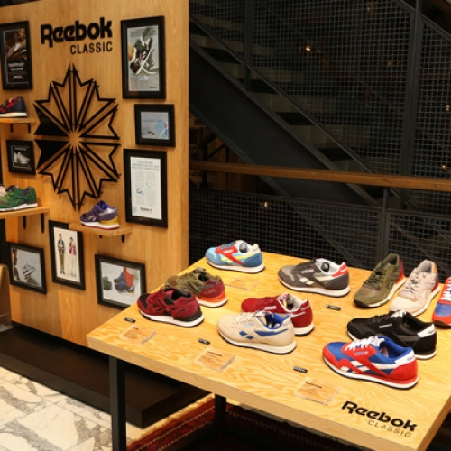 Reebok CLASSIC SPECIAL POP UP at JOURNAL STANDARD