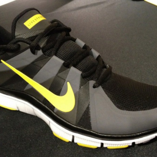 LIVESTRONG x NIKE FREE TRAINER 5.0