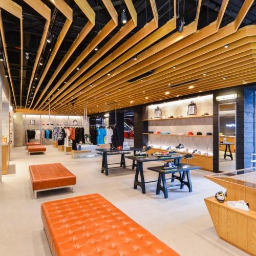 アシックスは、東南アジア最大「オニツカタイガー」ブランドのタイ初の直営店をバンコクにオープン