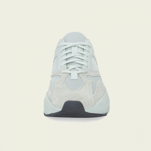 アディダスとカニエ・ウエストのコラボレートコレクション adidas + KANYE WEST から、YEEZY BOOST 700 のニューカラーモデルが登場