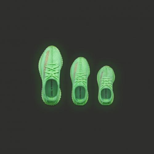 adidas + KANYE WEST から暗闇で光る YEEZY BOOST 350 V2 GLOW が2019年5月25日(土)に発売