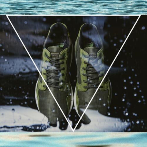 ルコックスポルティフより、mita sneakersクリエイティブディレクター国井栄之氏がカラーディレクションを手掛けたLCS-R900 MTが発売
