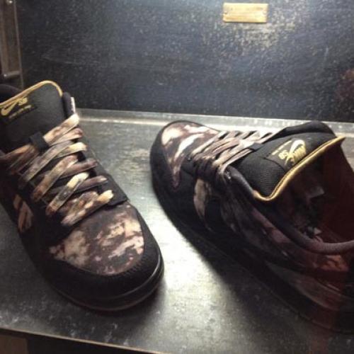 "Pushead x Nike SB ""Bleached"" Dunk Low Fall 2012"