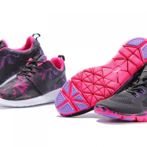 NIKE WMNS 「Women's Nagoya Marathon Pack」