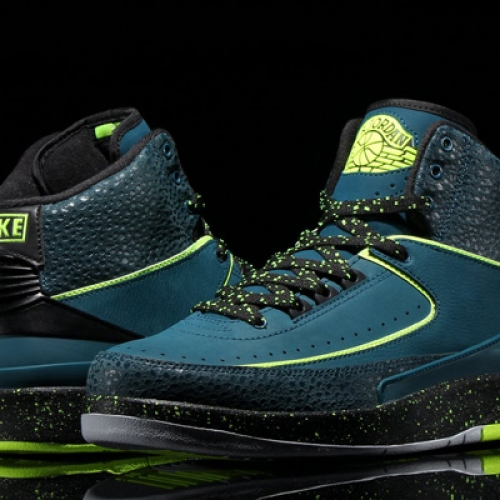 NIKE AIR JORDAN 2 RETRO NIGHT SHADE/VOLT ICE-BLACK-PURE PLATINUMが発売