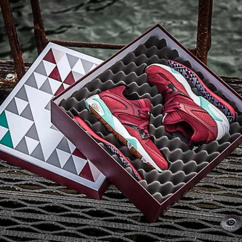 "プーマは、SNEAKER FREAKERとPacker ShoesによるコラボモデルBLAZE OF GLORY ""Bloodbath""を発売"